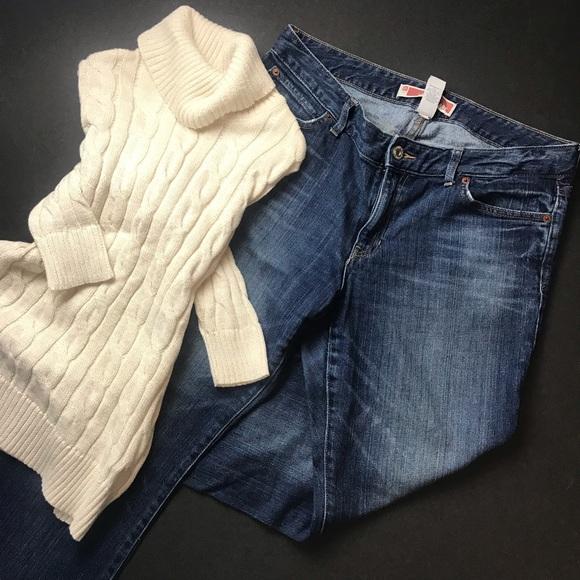 GAP Denim - Gap curvy flare jeans. EUC.